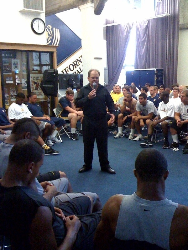 hypnotist Chris Cady hypnotizes athletes college  football players using sports hypnosis